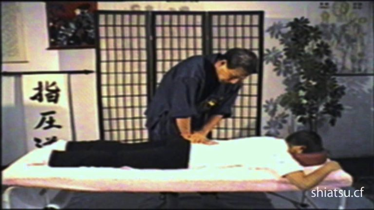 Shiatsu Massage on Table (Namikosh)